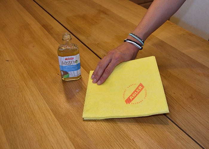 Oiling and caring for your wooden table